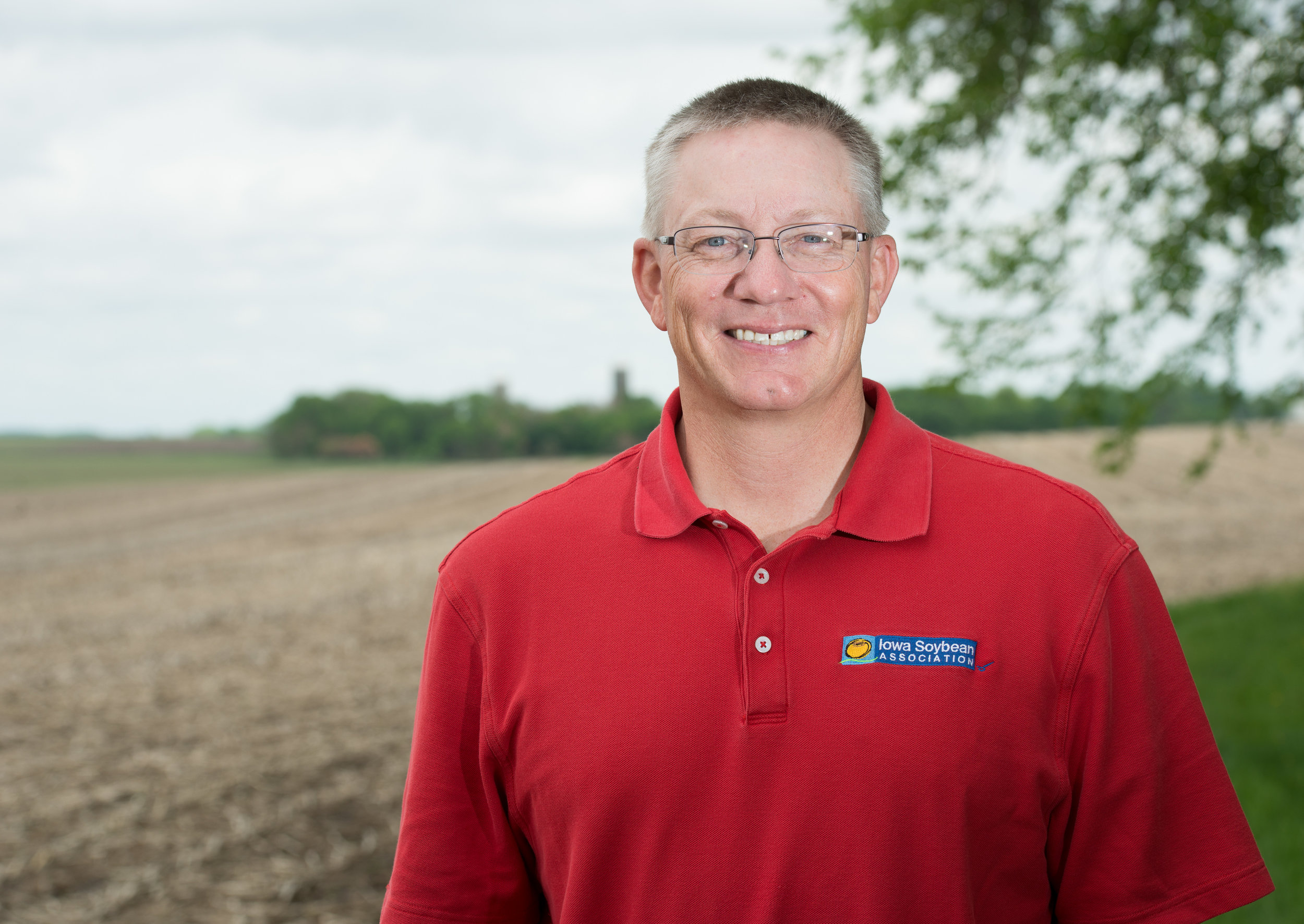 Tom Oswald farms soybeans and corn in Cleghorn. He will share a behind-the-scenes view of farm life in this year's Farm Life Journal series. Photo credit: Joseph L. Murphy/Iowa Soybean Association