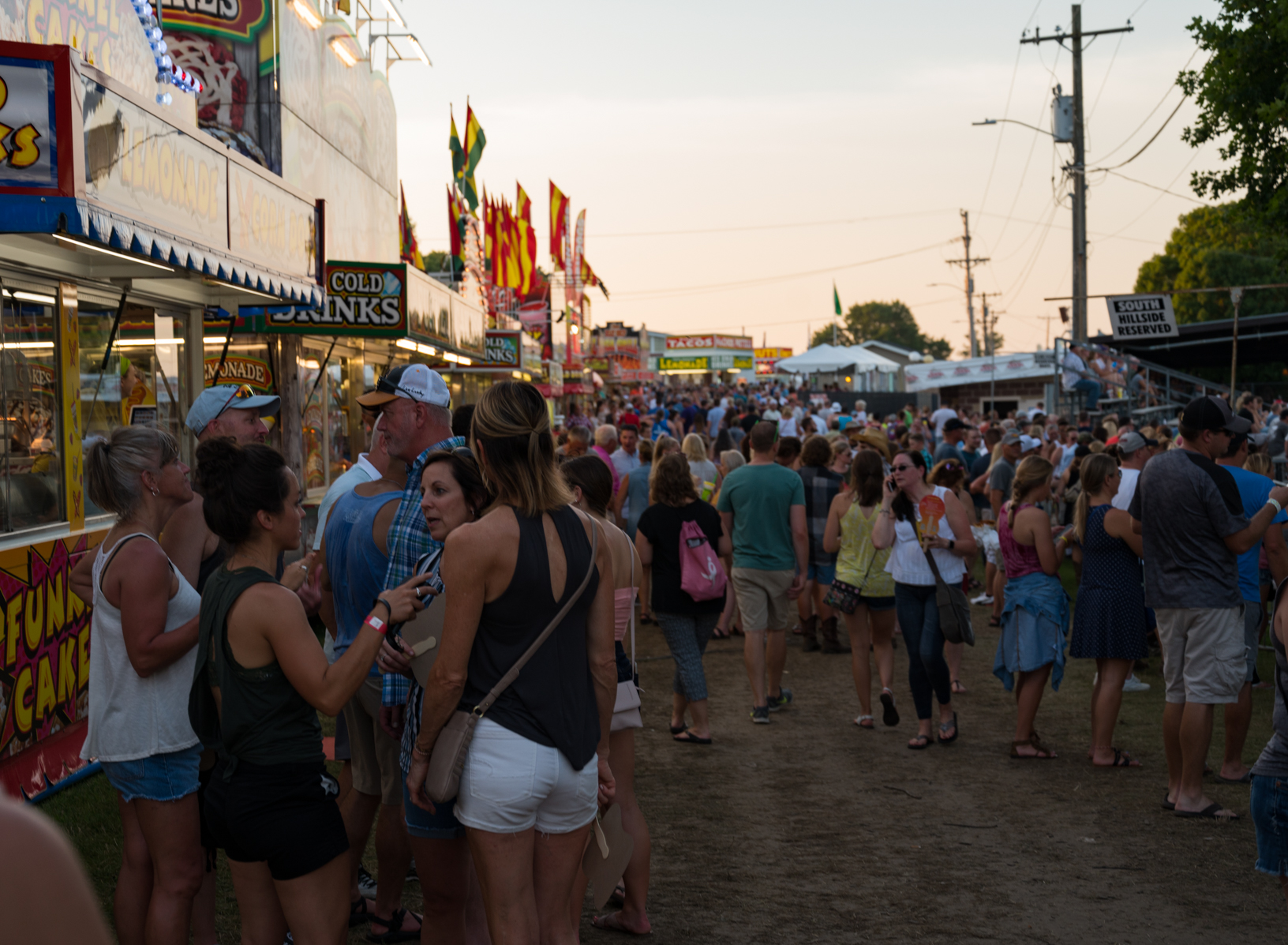 A large crowd packs the Jones County Fair in Monticello before the Hootie and the Blowfish concert. Photo credit: Joseph L. Murphy, Iowa Soybean Association