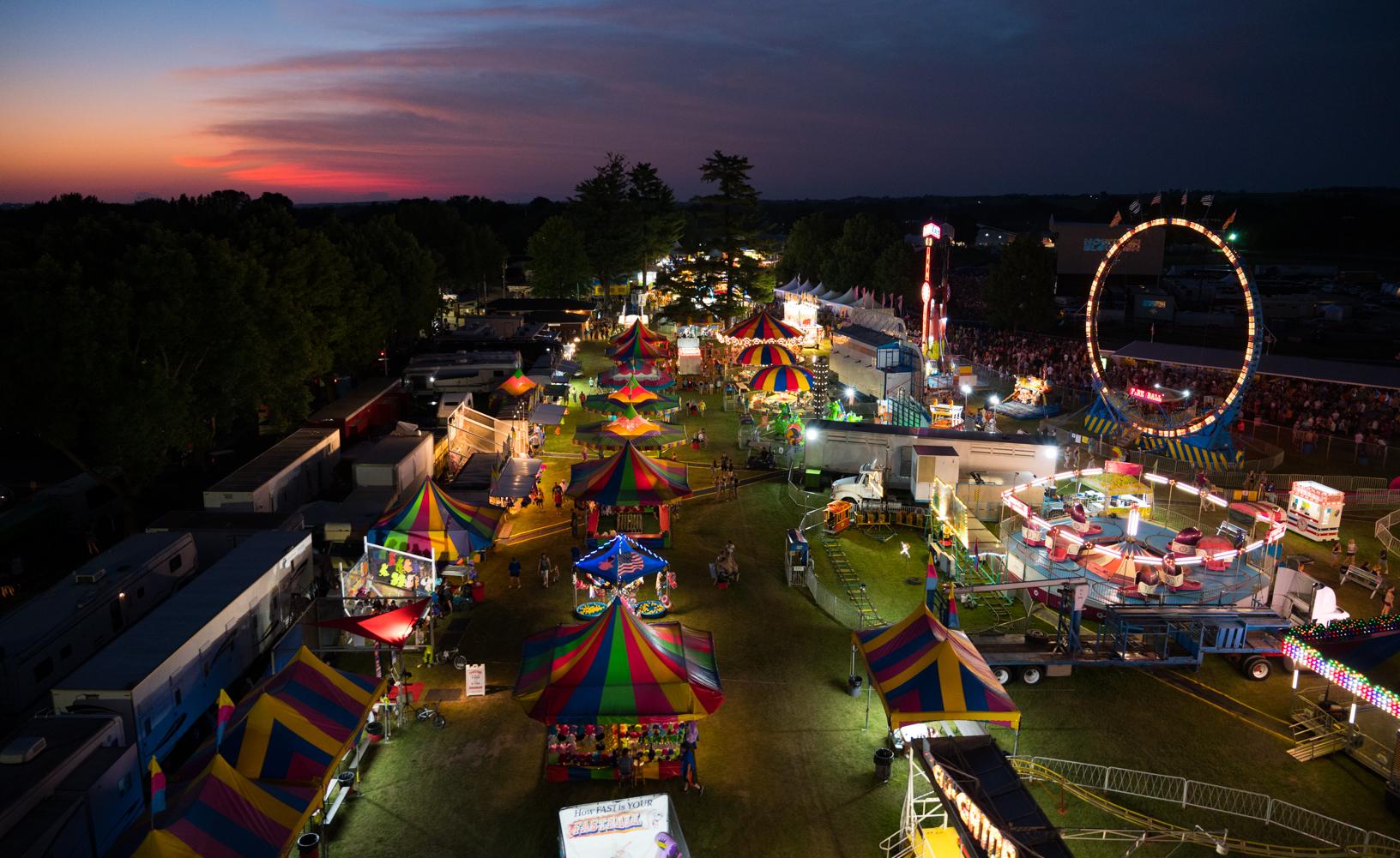 A Ferris wheel ride reveals the beauty of the Jones County Fair at dusk. Photo credit: Joseph L. Murphy/Iowa Soybean Association