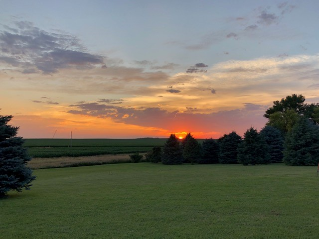 Summertime sunset at the Oswald farm near Cleghorn. Photo credit: Susanne Oswald.