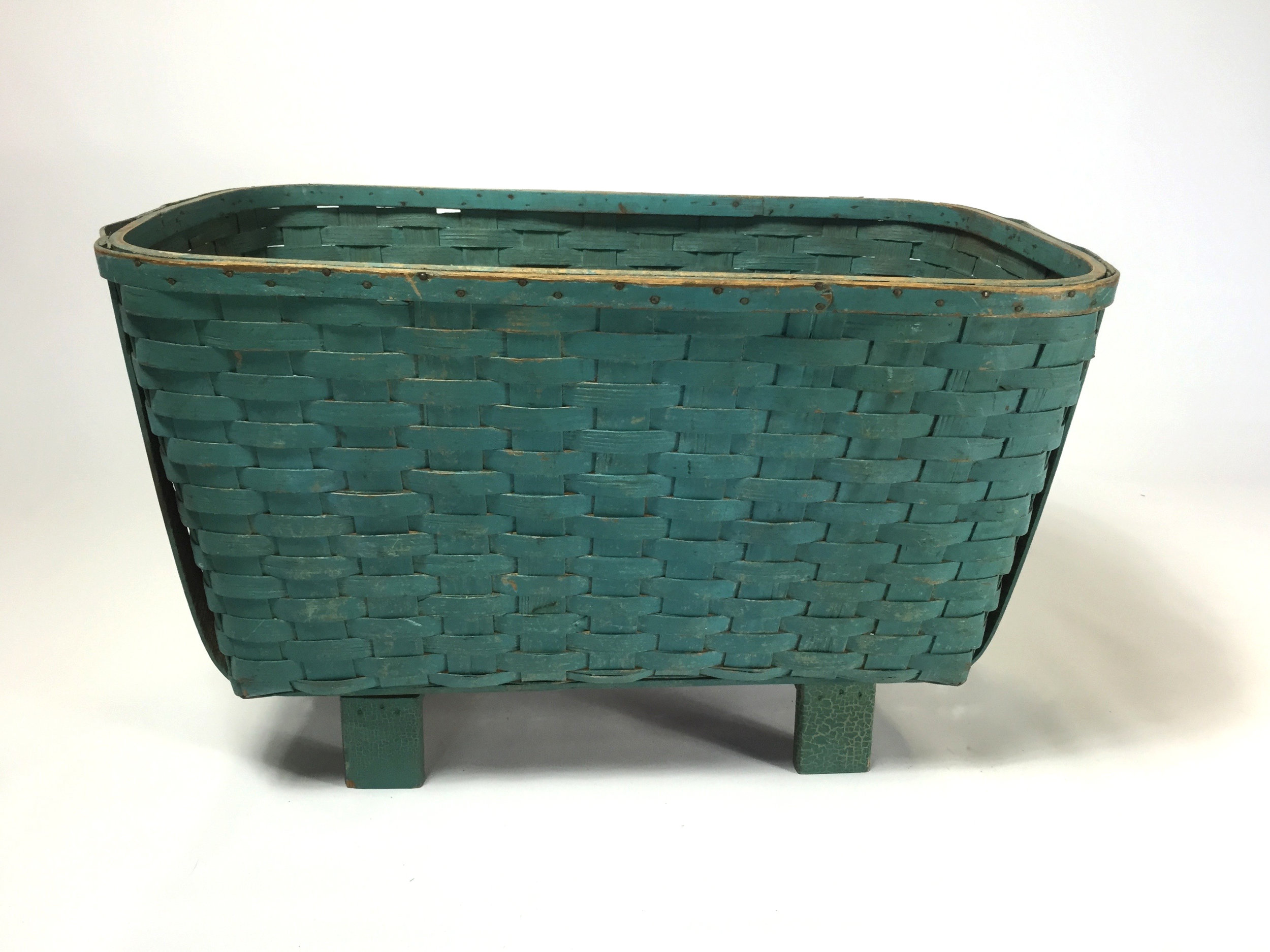 Vintage Painted Laundry Basket PS (1).jpg