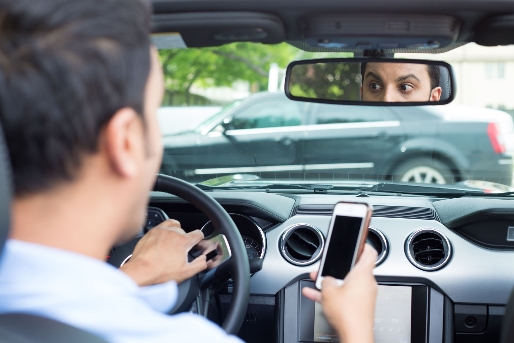 41888465_L_Text and Drive_Car_Accident_Texting_Driving.jpg