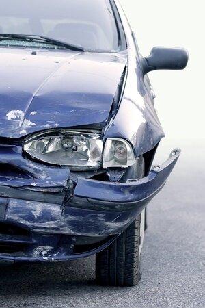 8599028_S_Car_wreak_Accident_crash.jpg