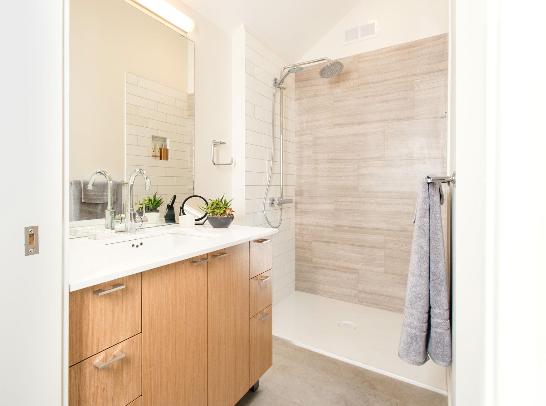 13-Bathroom.jpg