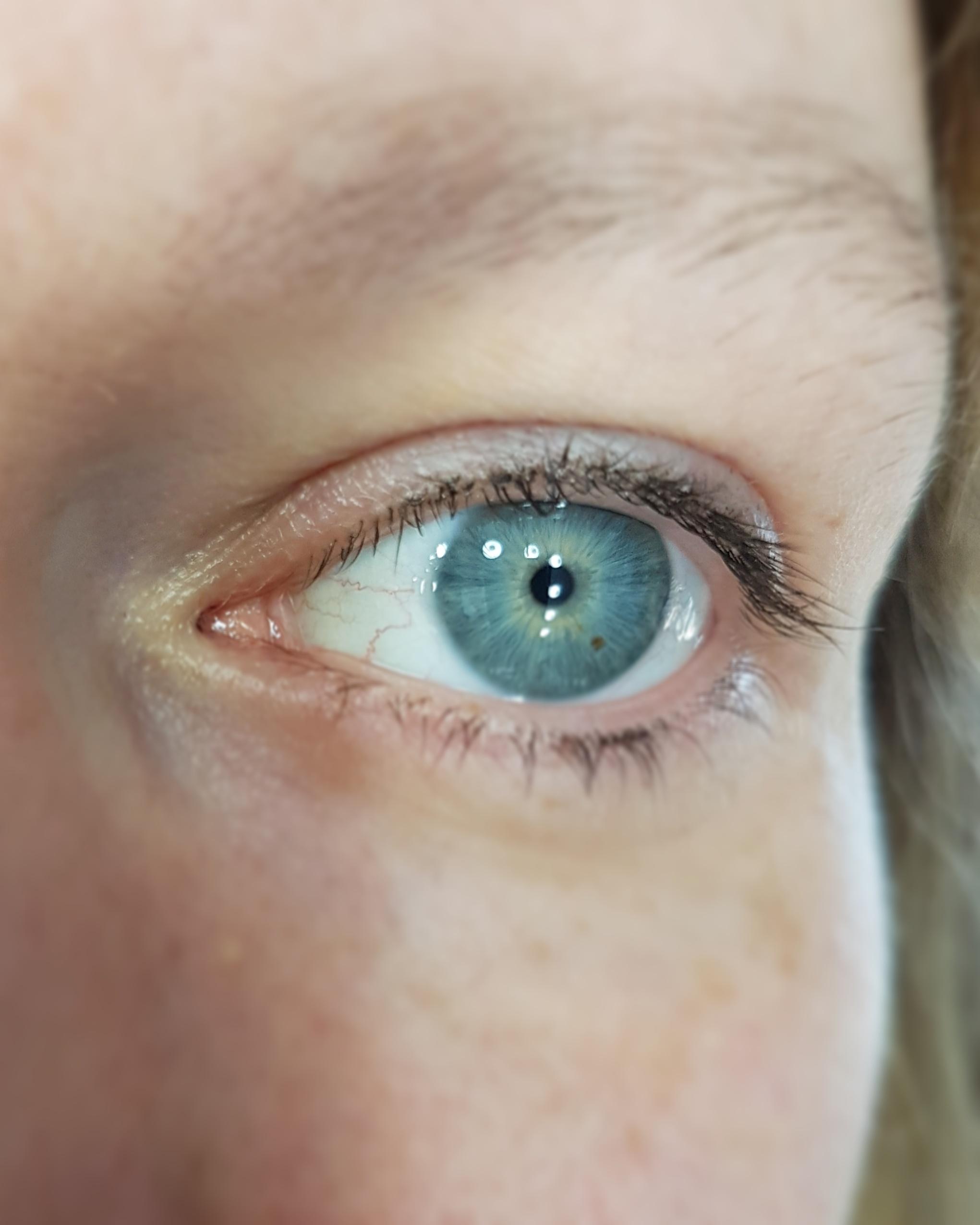eyelashbefore2.jpg