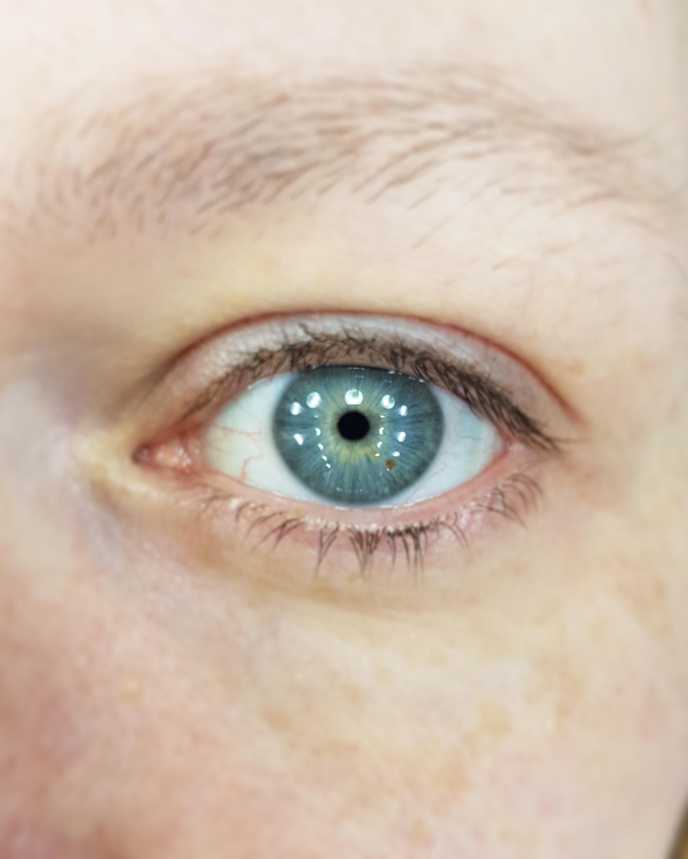 eyelashbefore.jpg