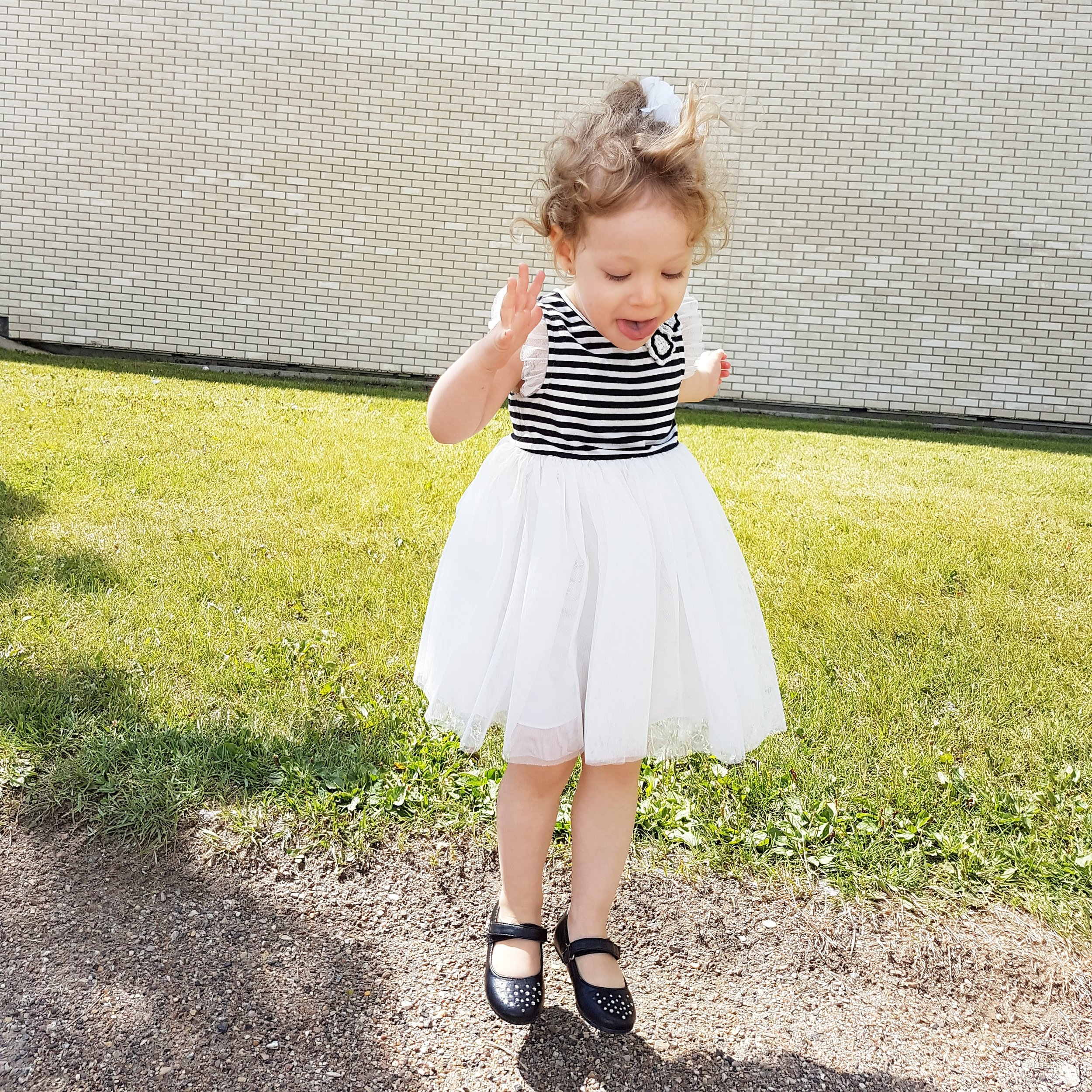 how to take better pictures of kids using cell phone burst mode