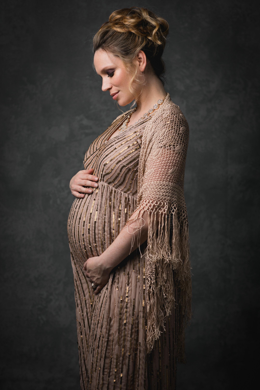 nicole romanoff photography maternity session tips.jpg