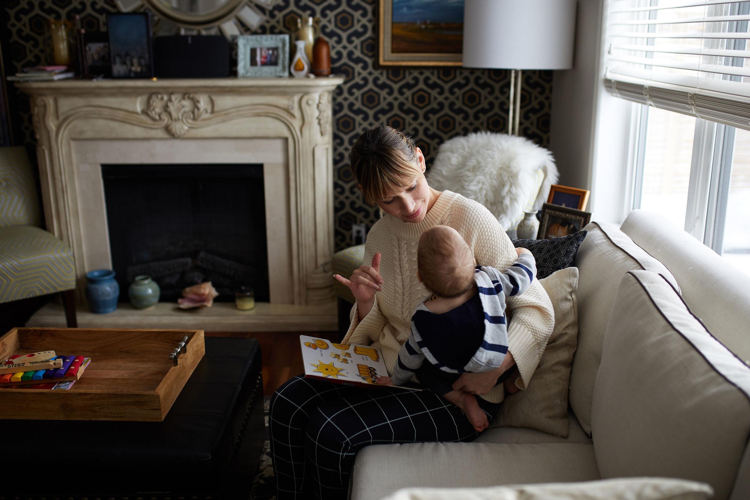 saskatoon mom blog baby sign language photo by nicole romanoff