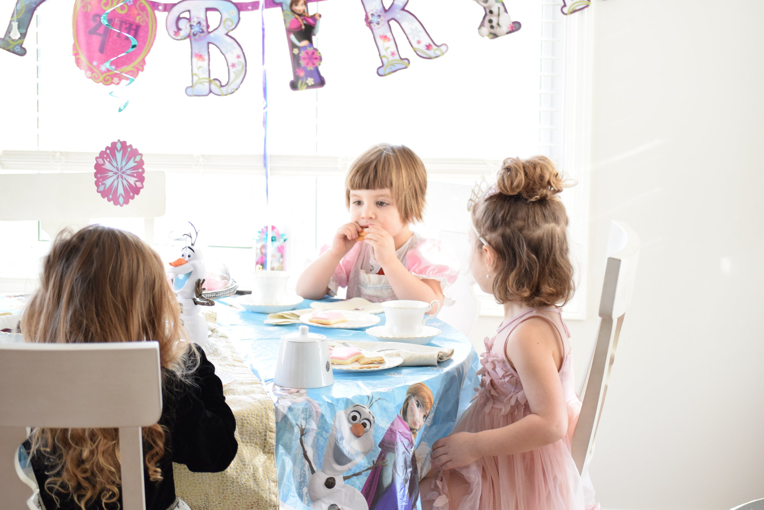frozen 4th birthday tea party4.jpg