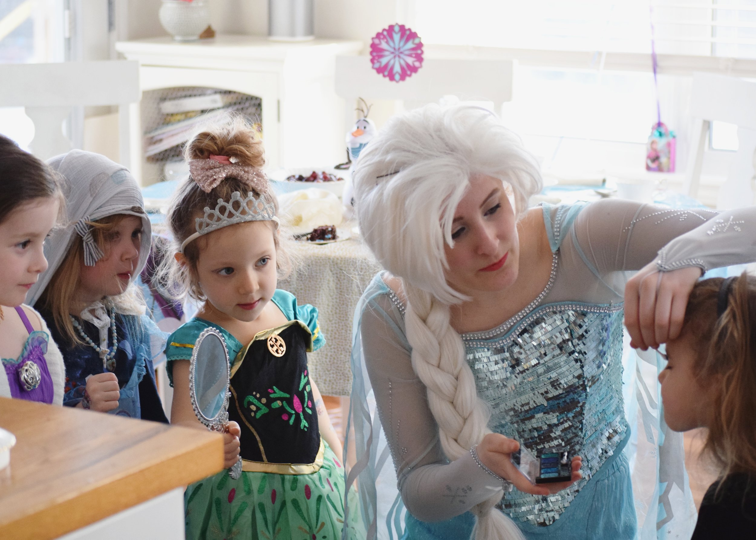 saskatoon birthday party with elsa princess from frozen4.jpg