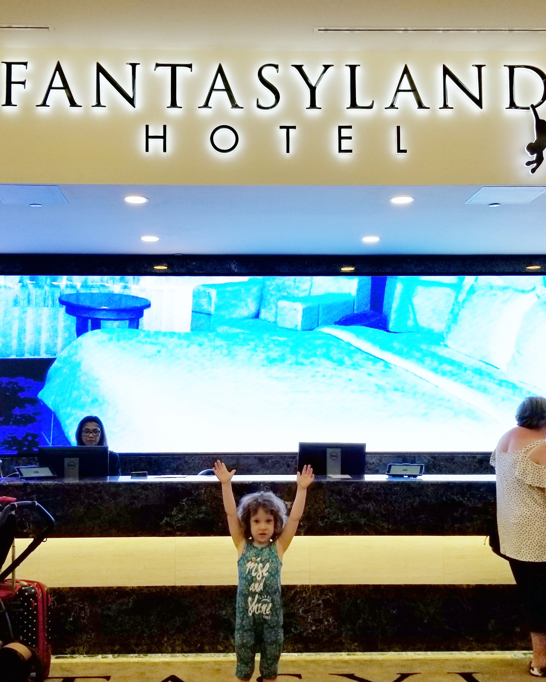 west edmonton mall fantasyland hotel.jpg
