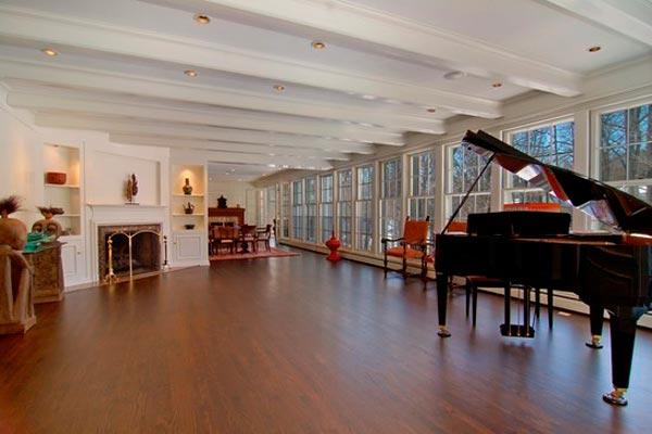 piano-room.jpg