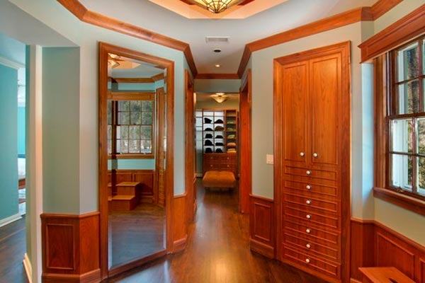 polygonal-hallway.jpg