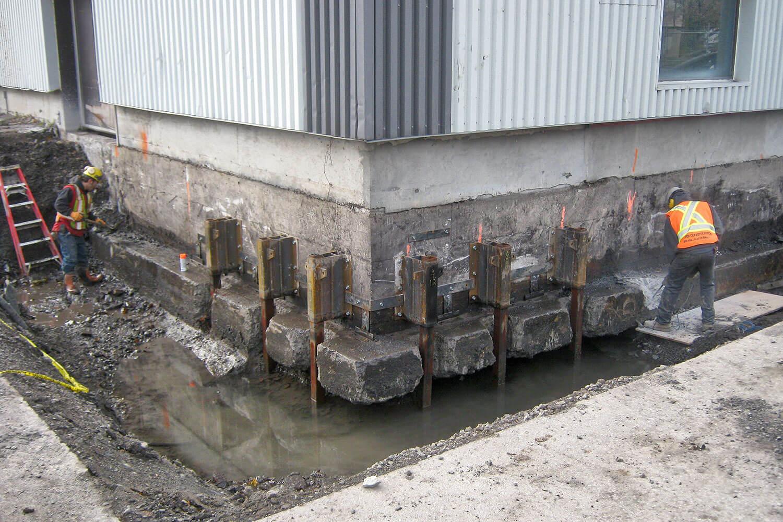 Réhabilitation environnementale des sols par excavation sur un site industriel à Dorval