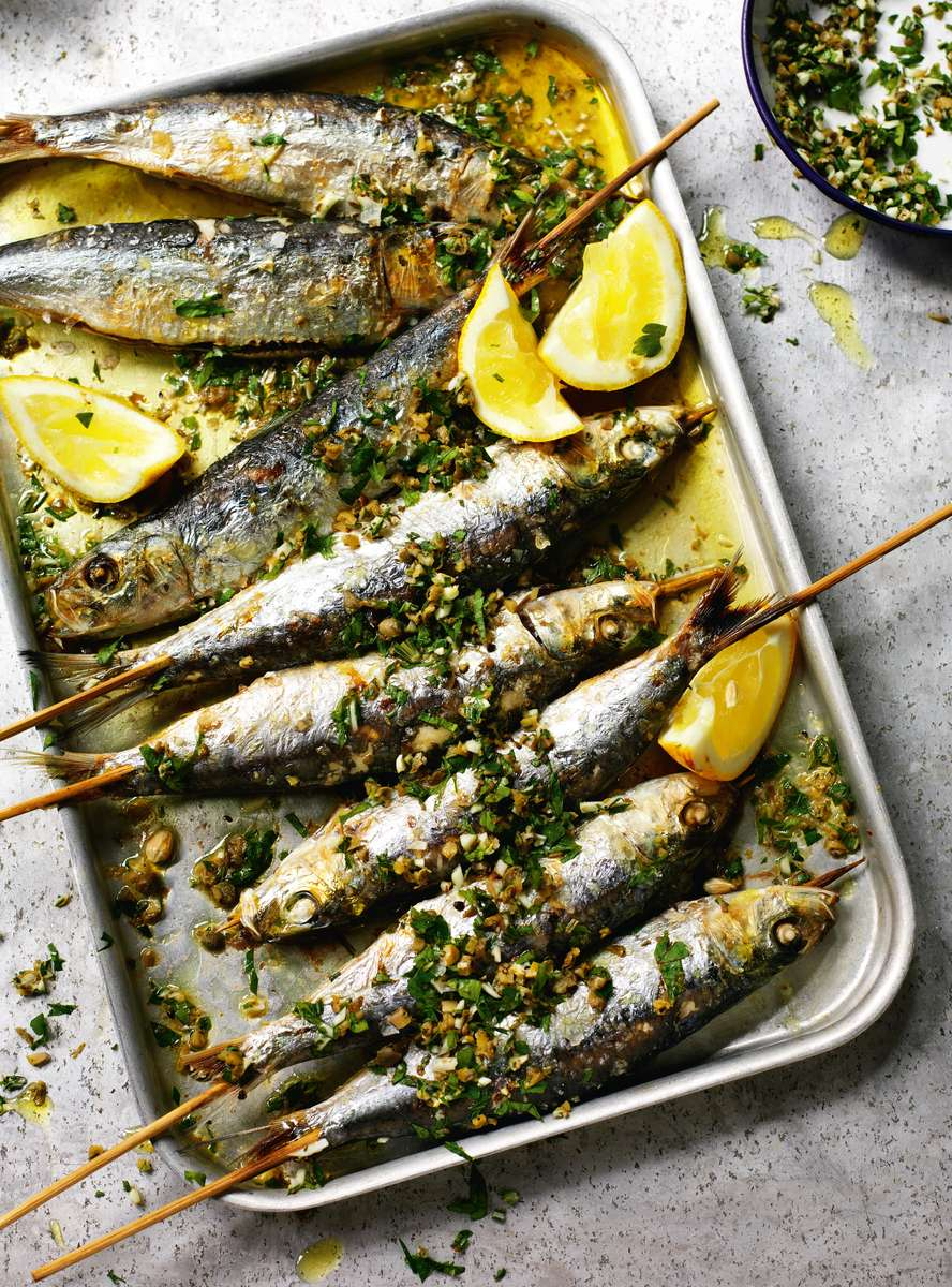 grilled-sardines-with-coarsely-chopped-green-herbs_s0x1200_q60_noupscale.jpg