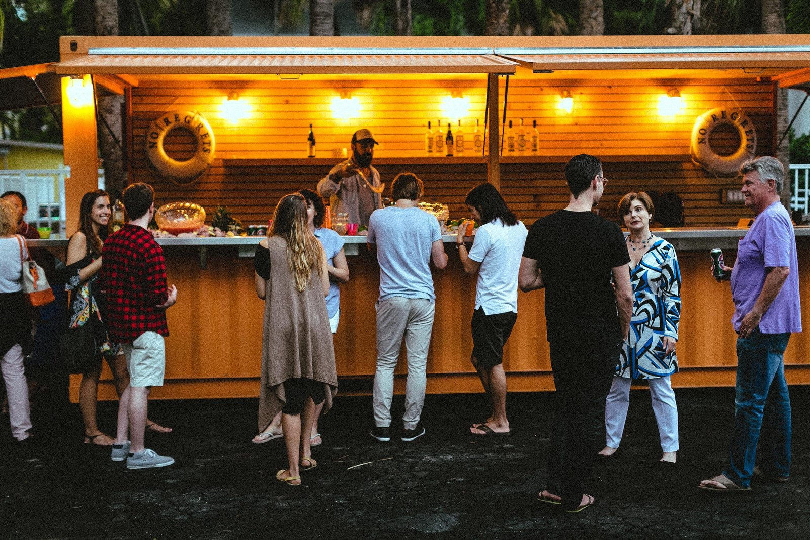 Roam Miami's Pop-Up Bar is the spot for evening drinks and meeting other Roam travelers.