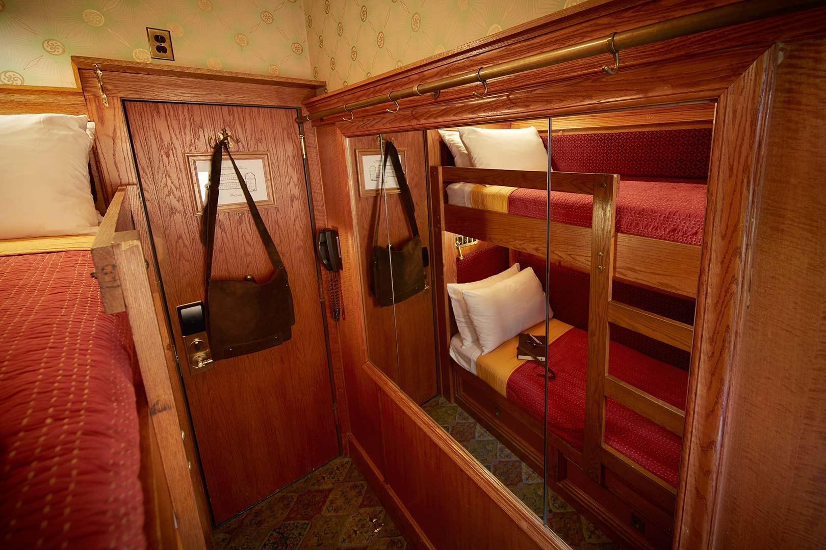 The_Jane_Bedroom_03_141.jpg