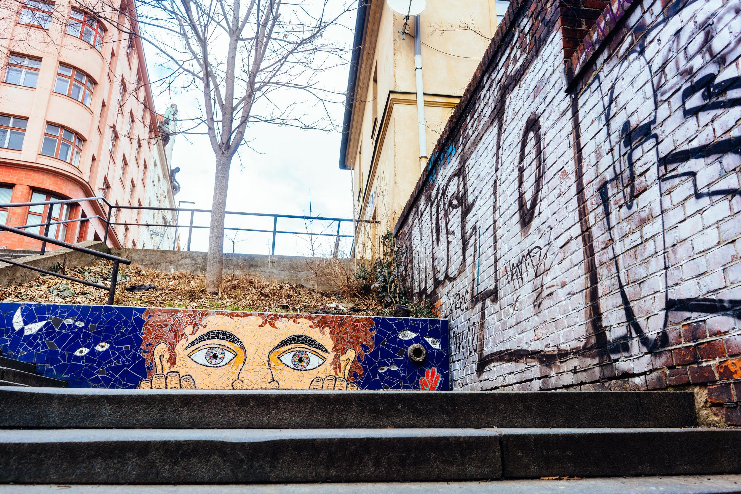 Street art & graffiti in Prague