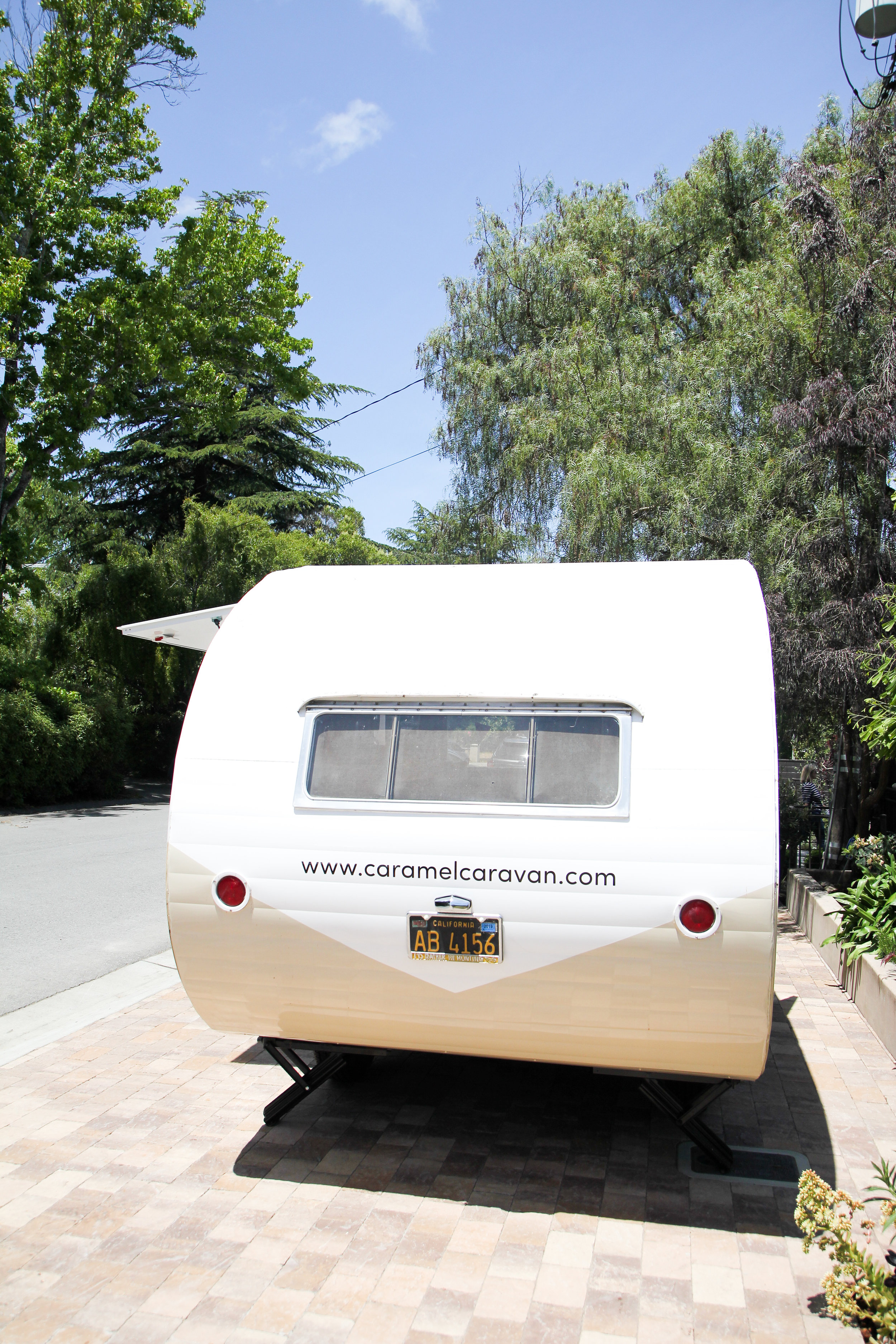 Caramel caravan back