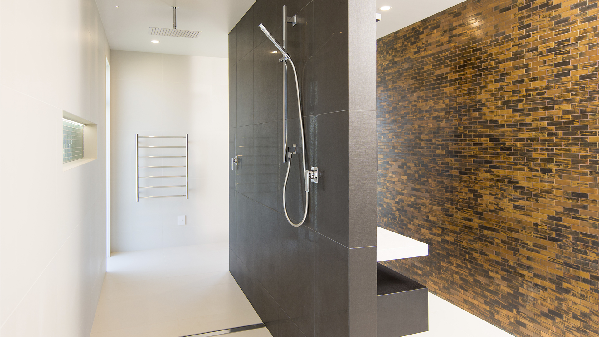 Berryfield-Dr-113-Ensuite-Shower-Web.jpg