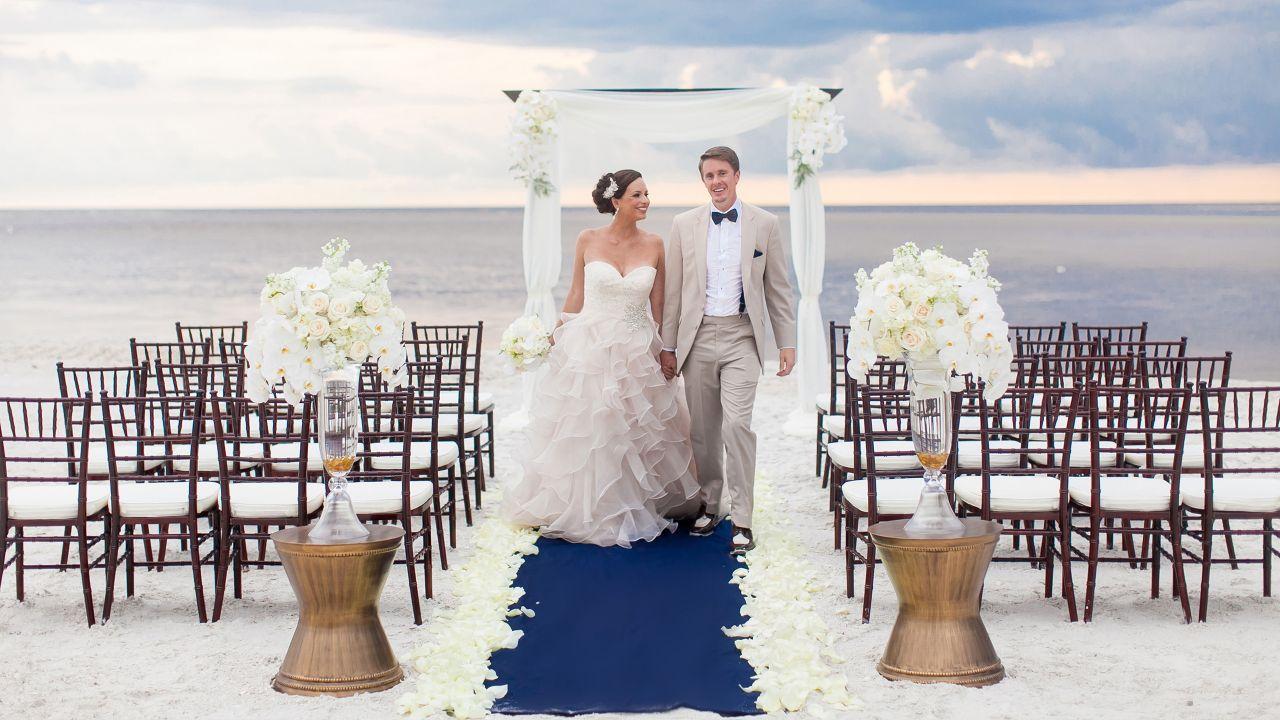Hyatt-Regency-Coconut-Point-Resort-and-Spa-P114-Wedding.adapt.16x9.1280.720.jpg