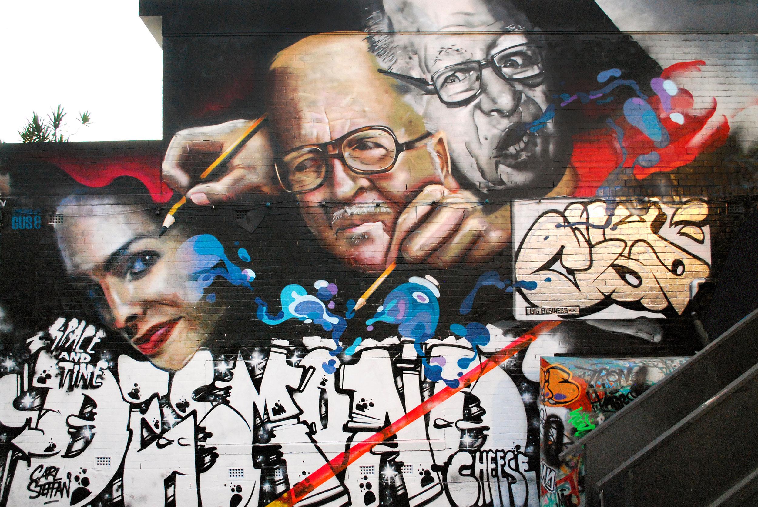 gus-eagleton-2013-the-inbetween-mural-wall-2-brisbane-colab-carl-stephen.jpg