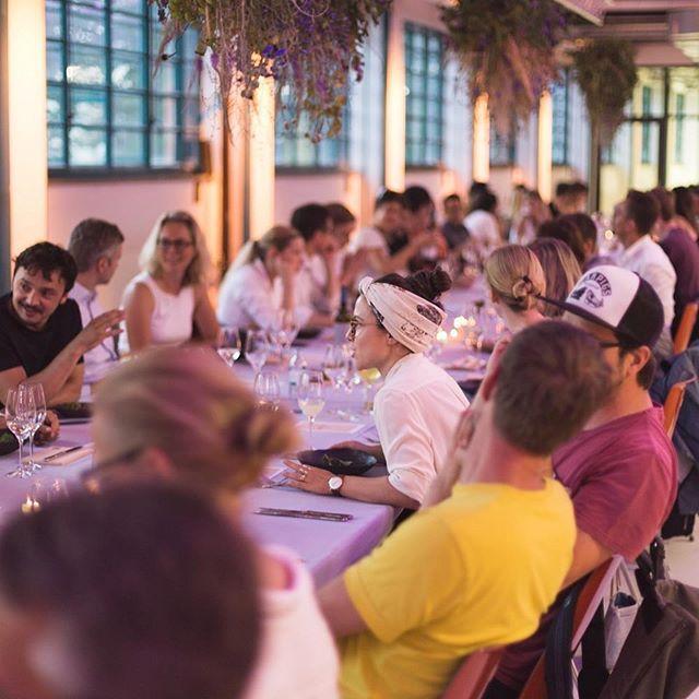 What a beautiful setting for a perfect dinner! #Repost @creativeregion ・・・ // DINED & DESIGNED 🍽  @mutolinz servierten, Kreative dinierten. What a night! Danke an alle die dabei waren. We had a blast! 📸 @atelierauthentic