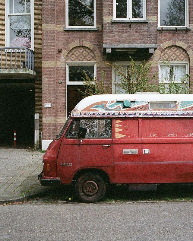 🚘 - Amsterdam, Spring 2018⠀ ⠀ #leica #35mm #kodakprofessional #portra160 #amsterdam⠀