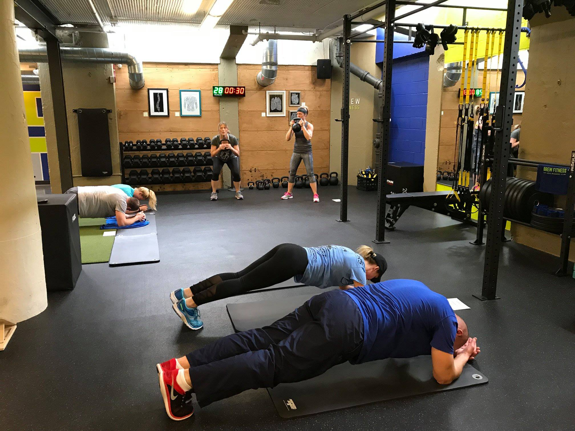 Brew-Fitness-Milwaukee-Group-Training-Keg-To-6-Pack-Class