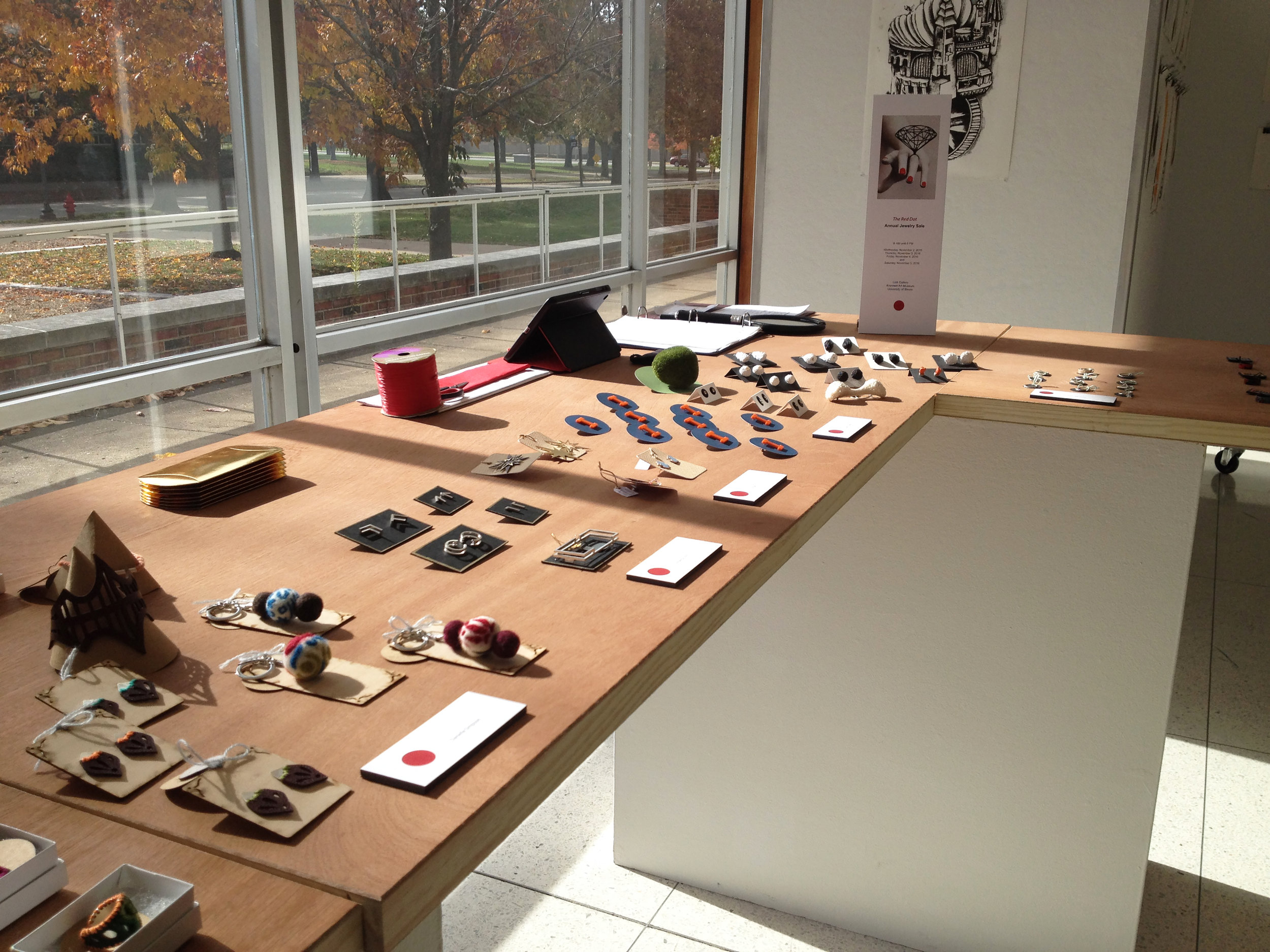 The Red Dot Annual Jewelry Sale    2016