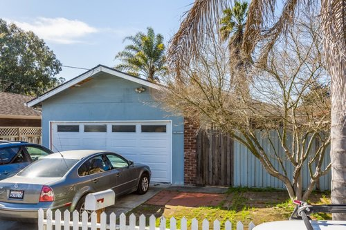 SOLD 333 Alamo Avenue, Santa Cruz  3 Bedroom, 2 Bathroom • 1,206 Sq. Ft.