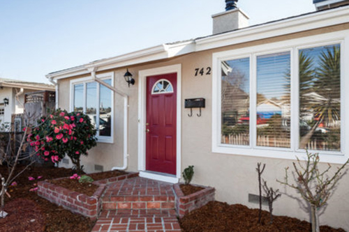 SOLD 742 Seaside St., Santa Cruz • $609,000  3 Bedroom, 2 Bathroom • 950 Sq. Ft.
