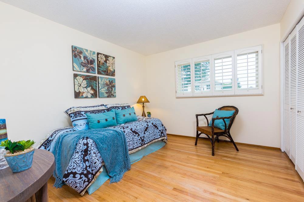 3 Beds Oak Wood Flooring & Open Living Space Home In Westside