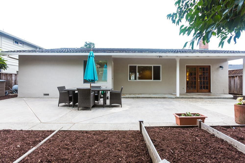 Open Living Space Home In Westside Minutes From HWY 17 (2)