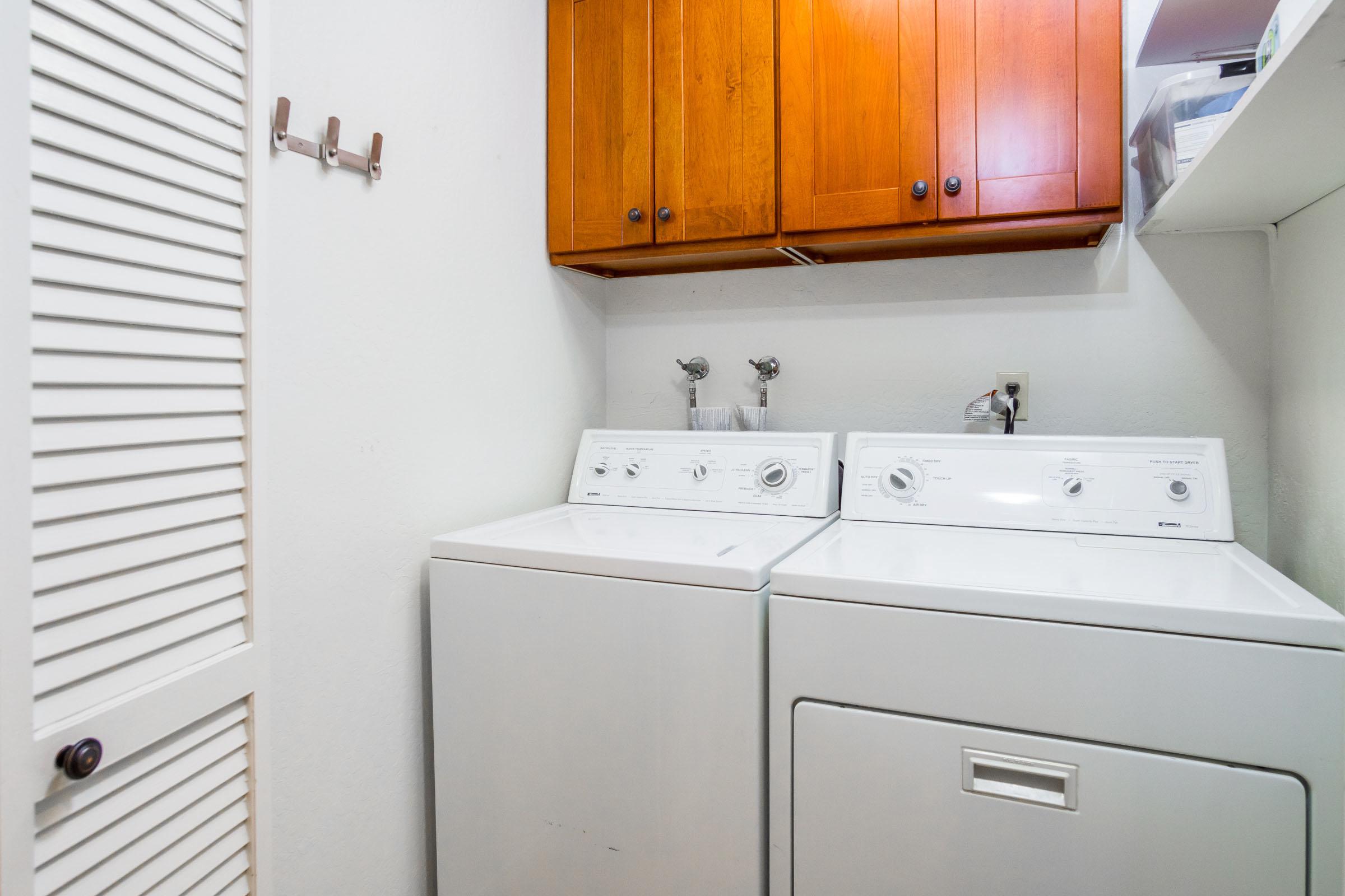 Open Floor Plan 3 Beds Condo In Westside