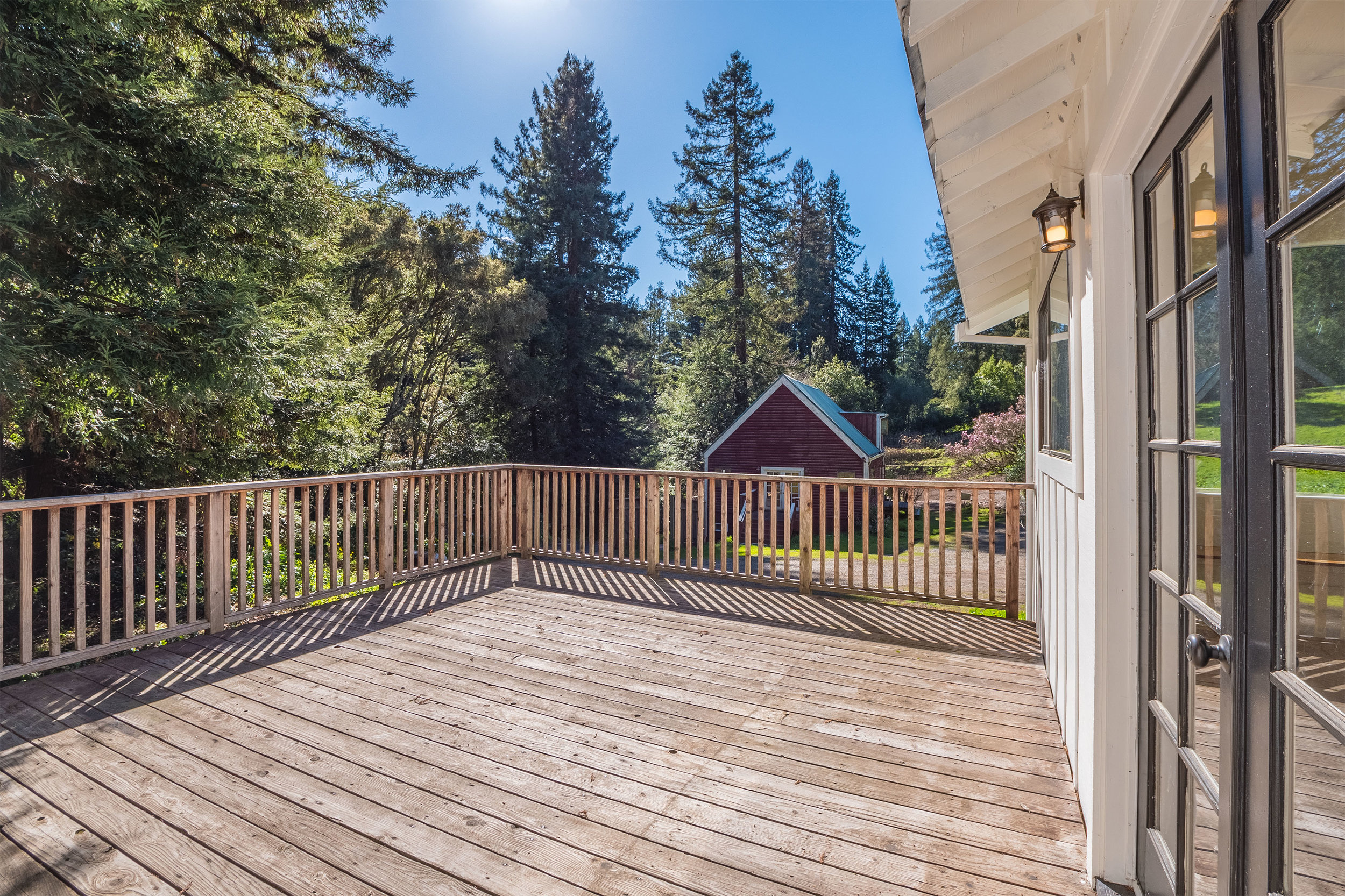 Private and Sunny Deck in Santa Cruz Mountains