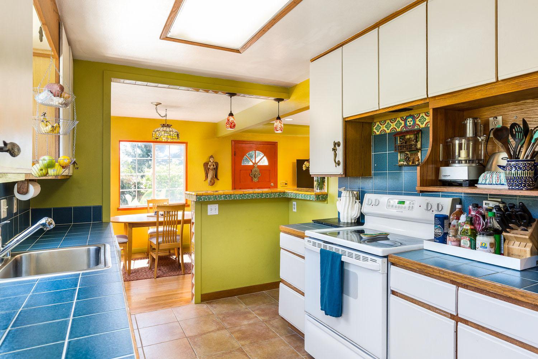 Kitchen in Lower Westside 700+ Cottage Santa Cruz Real Estate Ag