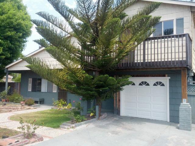 Westside Santa Cruz House Upgraded Kitchen & Large Bedrooms.