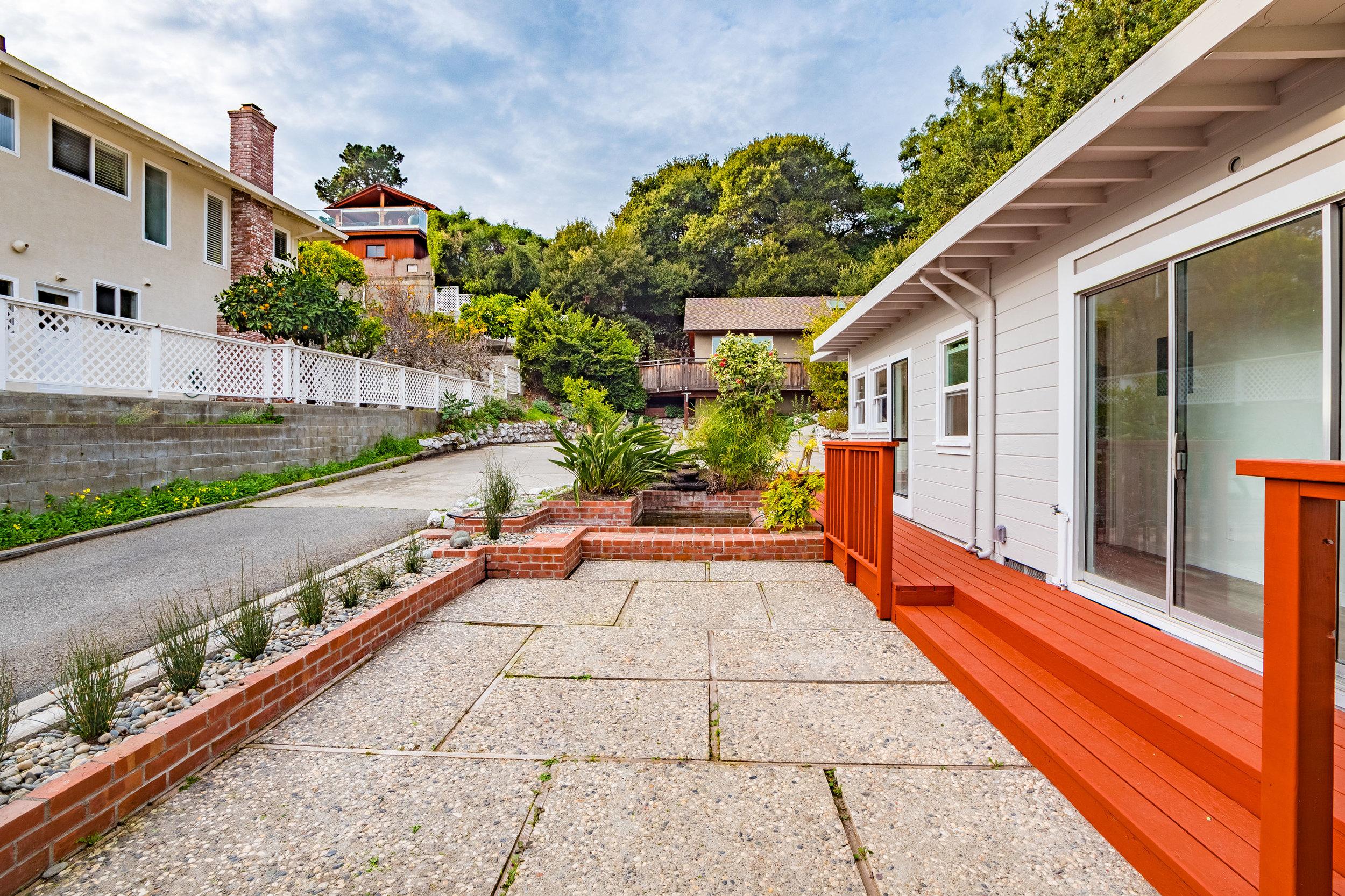 3 Bedroom House in Santa Cruz For Sale