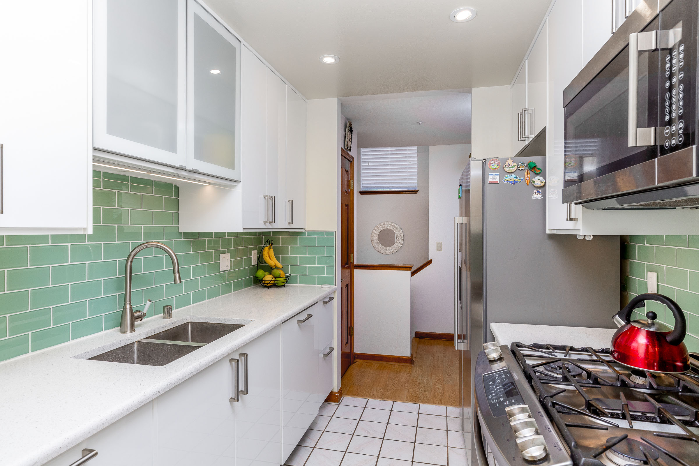 Updated Kitchen in 2 Bedroom Townhouse