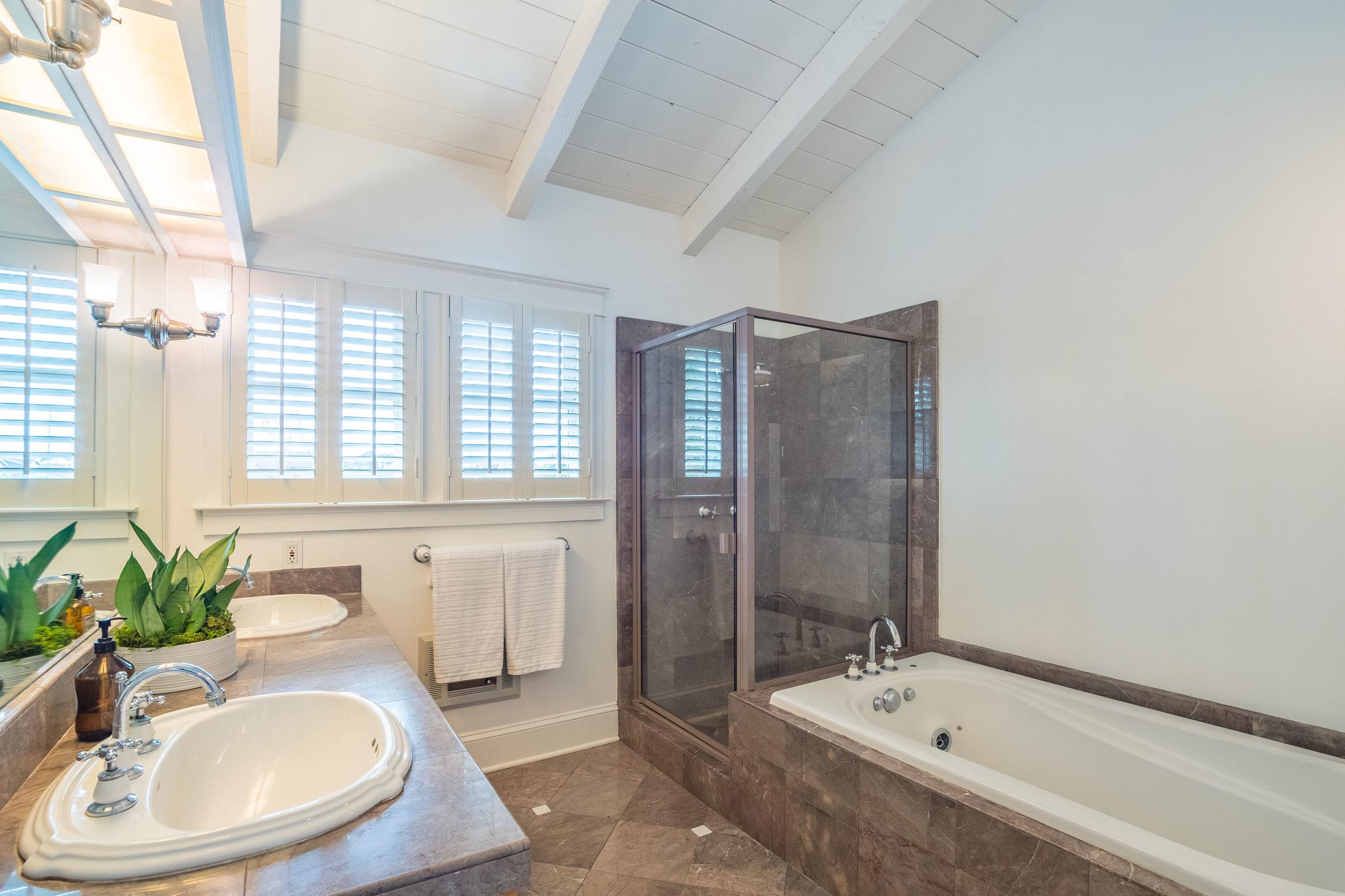 Large Updated Bathroom in 3 Bedroom House