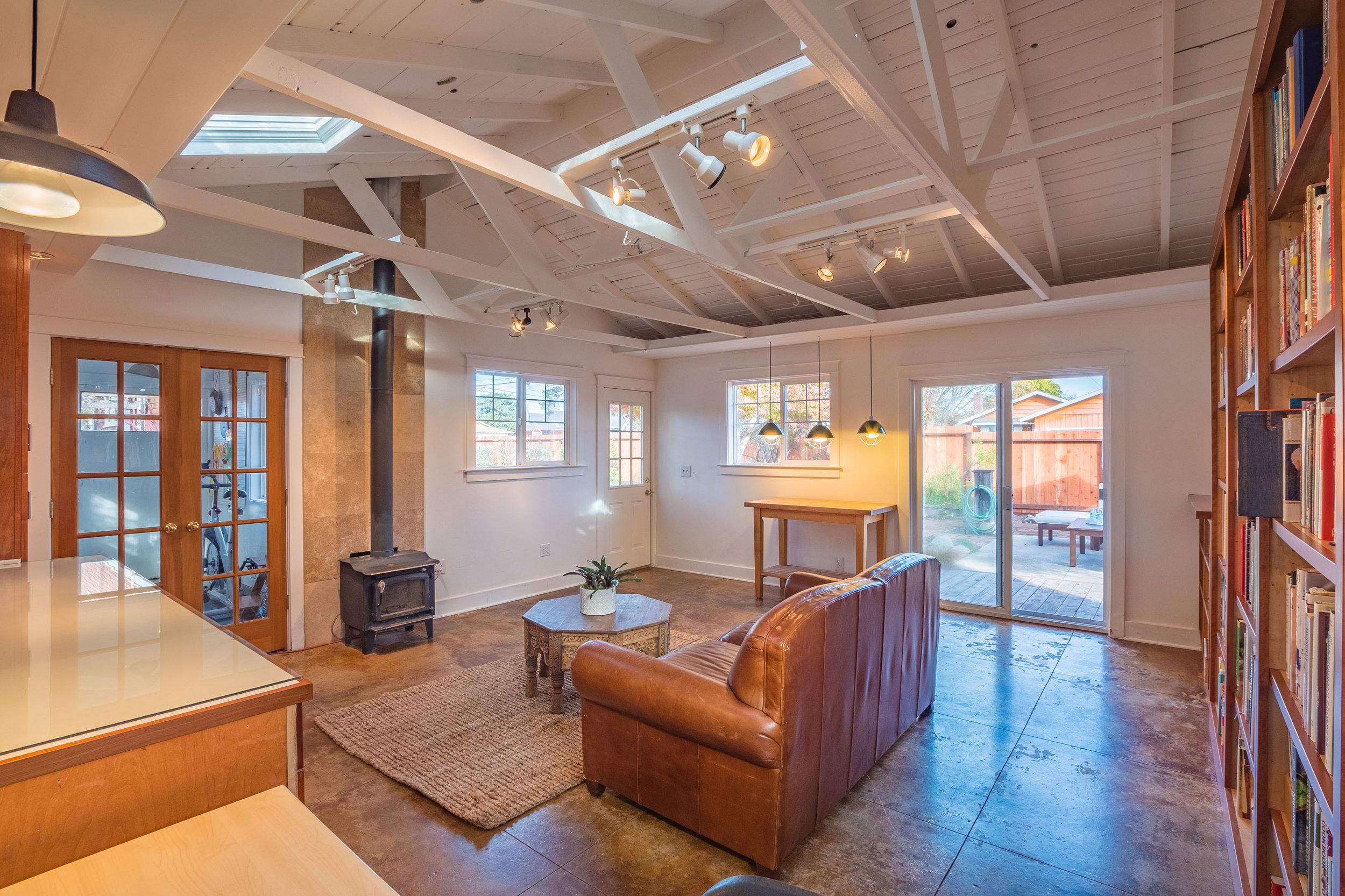 Vaulted Ceilings, Fireplace, Hardwood Floors Santa Cruz Californ