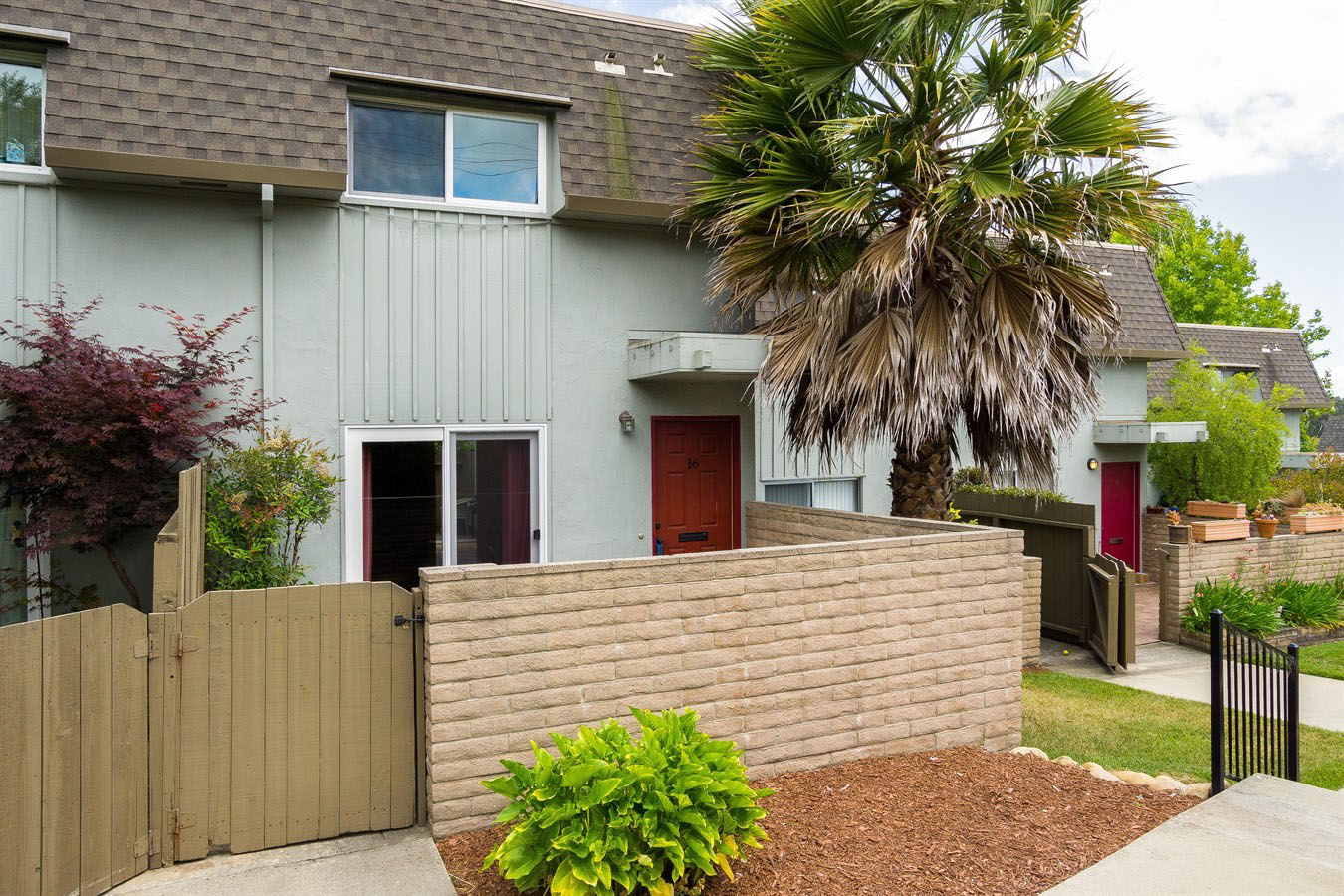 2 Bedroom Condo in Aptos close to Aptos Village, Nisene Marks State Park, Seacliff State Beach, and Highway 1.  Sunlit with hardwood floors you don't want to miss this Aptos Condo for Sale!  Presented by Sam Bird-Robinson, Santa Cruz Realtor.