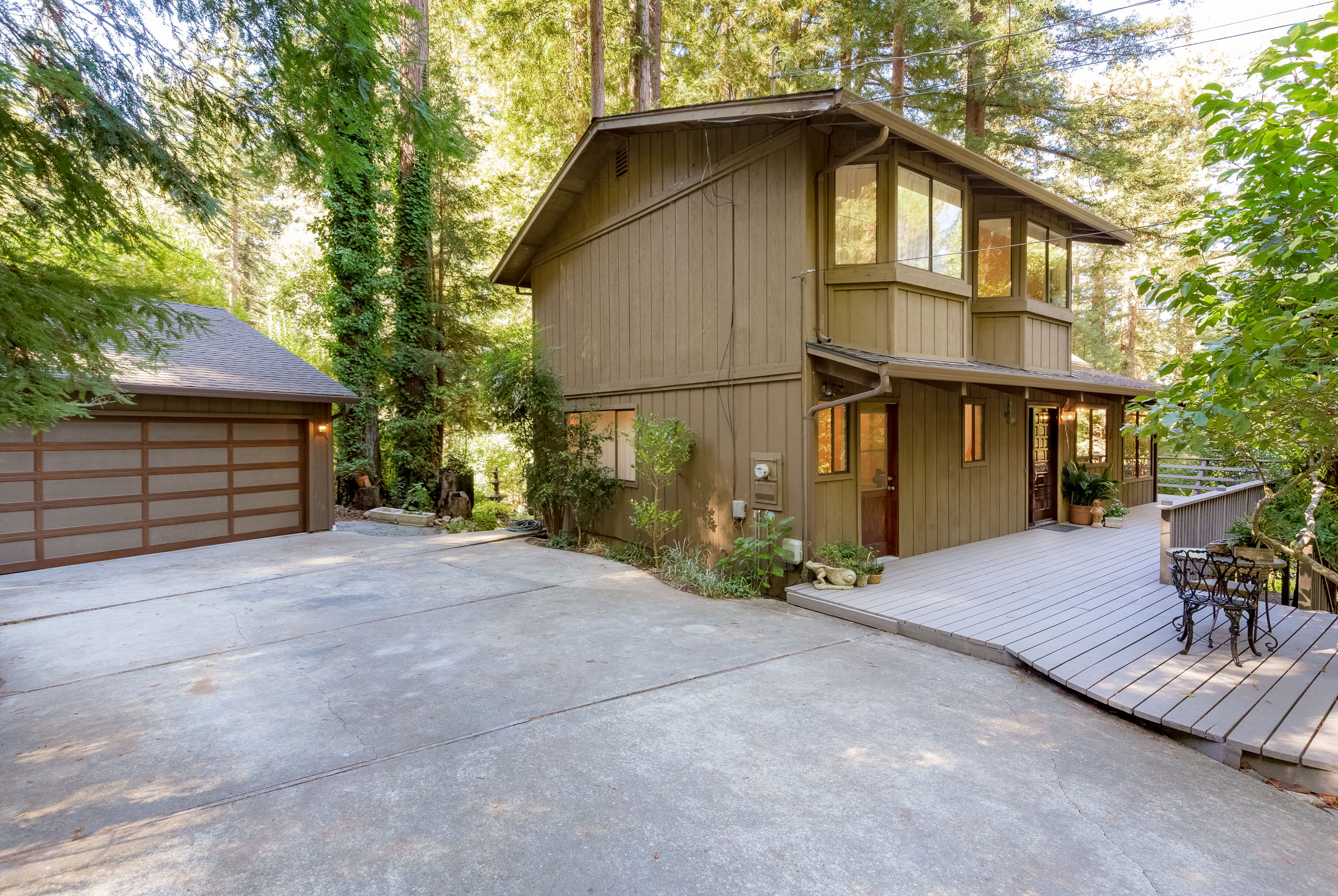 Large Driveway with Garage and Workshop