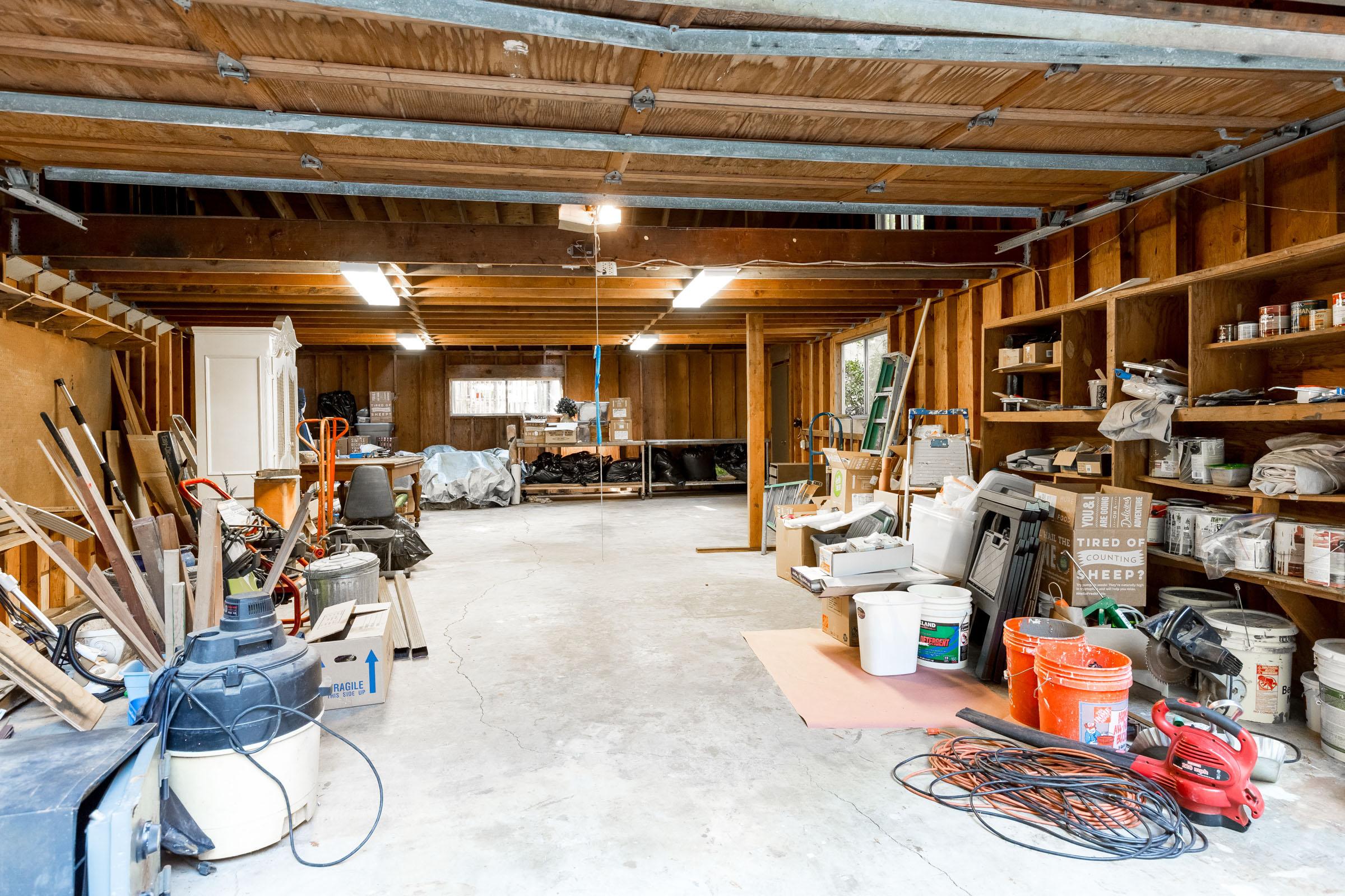 Large Garage and Workshop Boulder Creek home