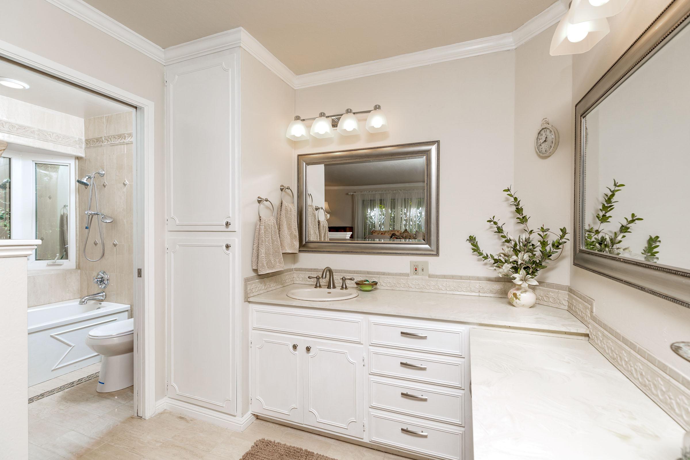 Master Bathroom Santa Cruz Real Estate