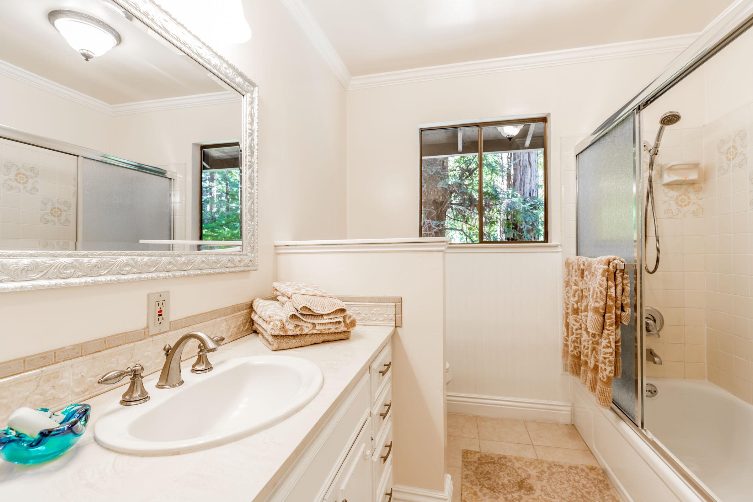 Real Estate Agents In Santa Cruz 4 Bedroom Natural Garden