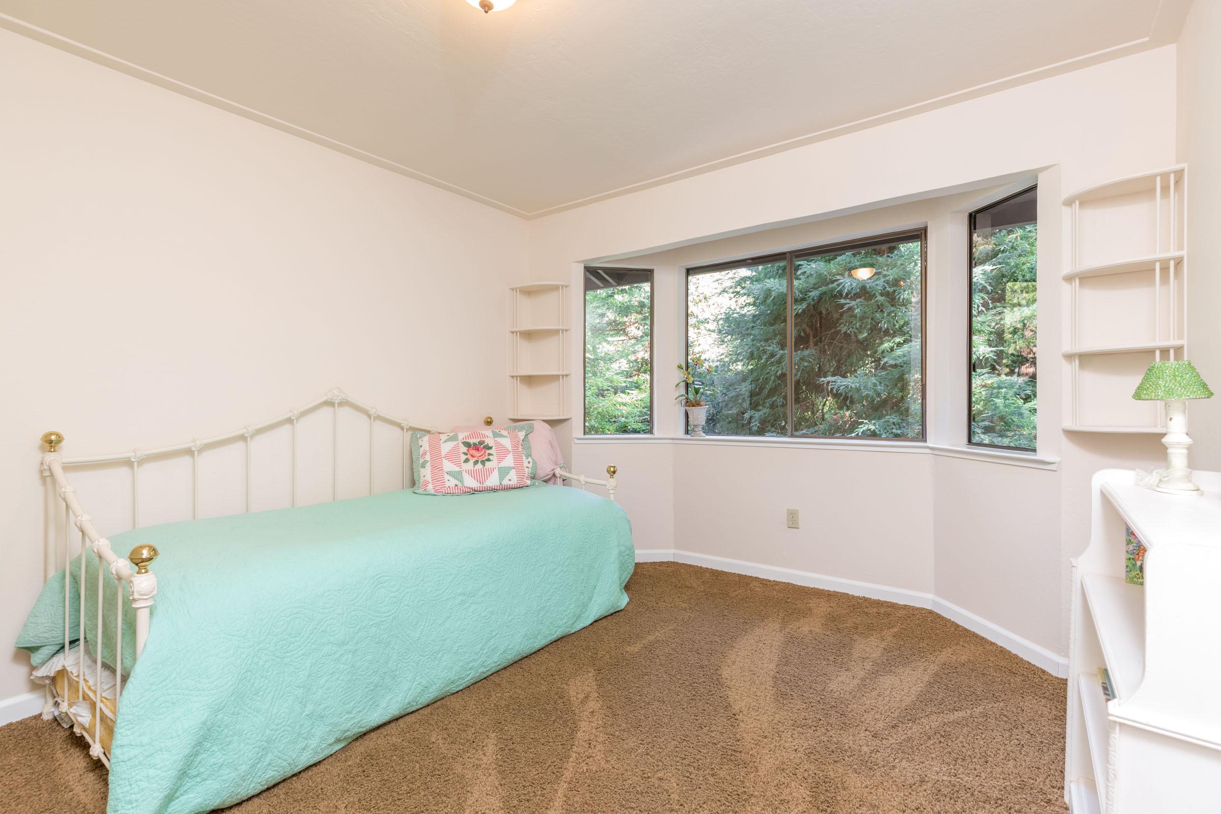 Real Estate Office In Santa Cruz
