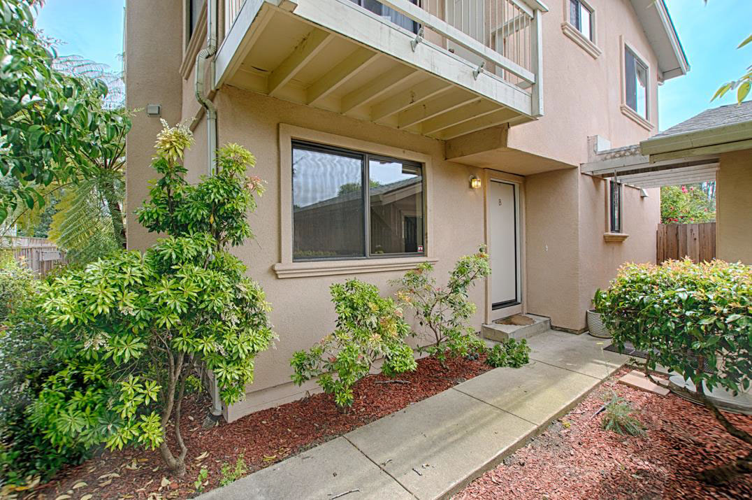 **SOLD 308 Market St, Santa Cruz • $640,000  3 Bedroom, 1.5 Bathroom • 1,414 Sq. Ft.